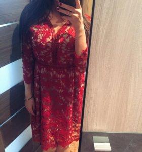 Кружевное платье с гипюром