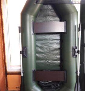 Лодка 240