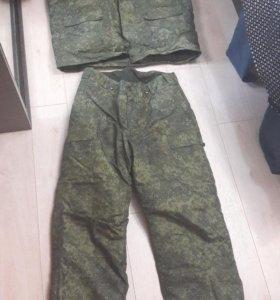 Продам зимний комуфлированный костюм