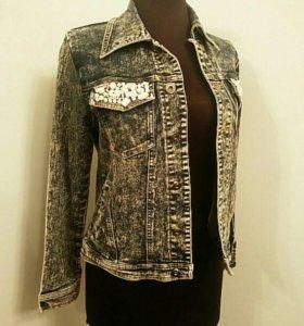 Джинсовая куртка 42