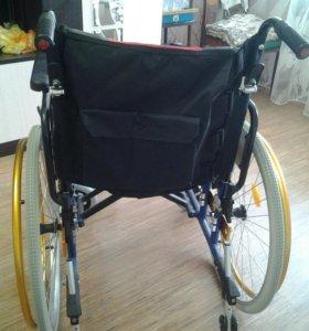 Инвалидная коляска для дома и улицы