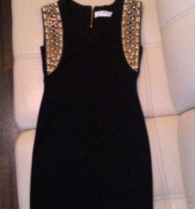Черное маленькое платье р. 42