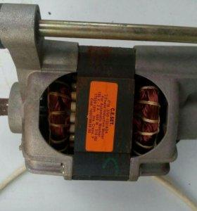 Двигатель стиральной машины аристон