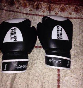 боксерские перчатки 12размер, бинты и капа