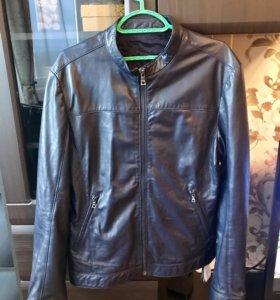 Кожаная куртка Guess