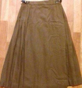 Шерстяная юбка в складку (с запахом)