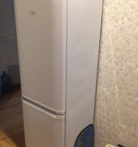 Холодильник бу 185х60 Ariston
