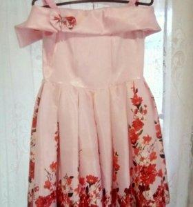 Платье нарядное!!!