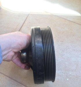 Шкив коленчатого вала на 112 мотор мерседес