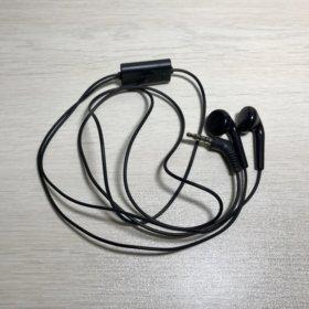 Новые наушники LG с микрофоном