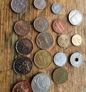 Иностранные 17 монет и жетон