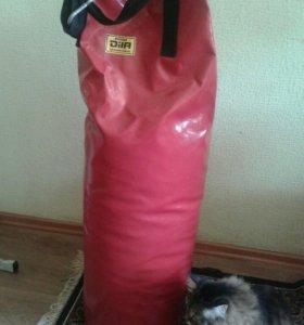 Боксерская груша с перчатками