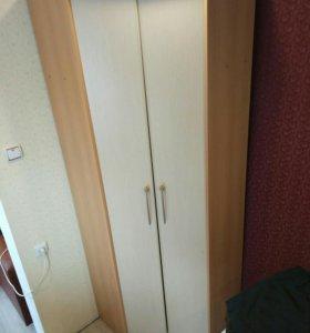 Шкаф угловой 80х80х220 в отличном состоянии