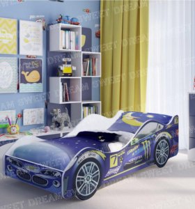 Продаю детскую кровать-машину с подсветкой