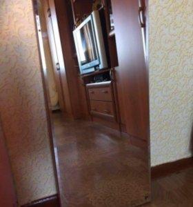 Зеркало и тумба