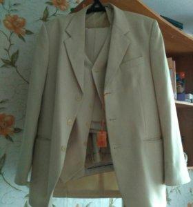Костюм тройка, пиджак, жилет, брюки