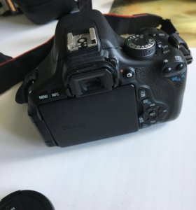 Фотоаппарат Canon 600D 18-55.