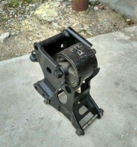 Подушка (опора) двигателя