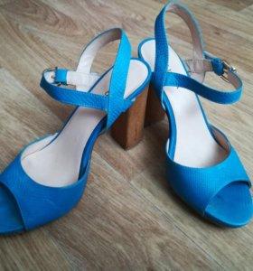 Кожаные туфли босоножки