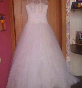Красивущее платье для красивого торжества принцесс