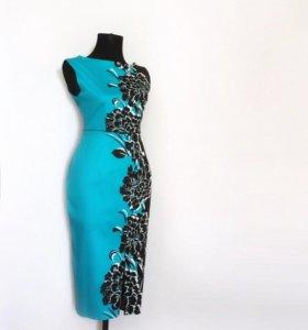 Платье фирмы Lipsy