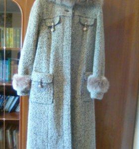 Пальто зимнее, новое(букле) 48-50р-р.