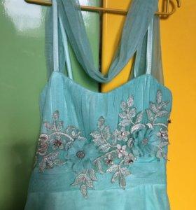 Нарядное платье для девочки 7-9 лет