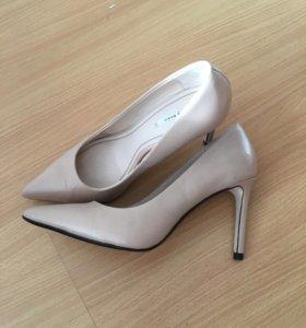 Туфли Zara кожаные