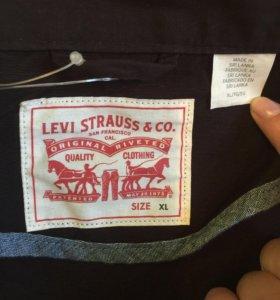 Куртка Levis новая.