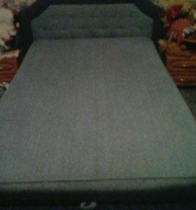 Кровать и 2 тумбочки в комплекте