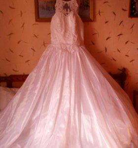 Платье свадебное+фата и перчатки в подарок