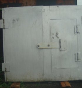Ворота гаражные с калиткой