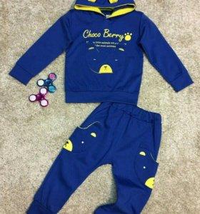 Новый детский костюм и кроссовки 24 размер