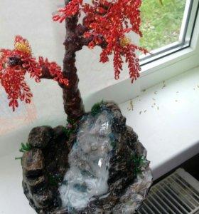 Дерево из бисера с водопадом