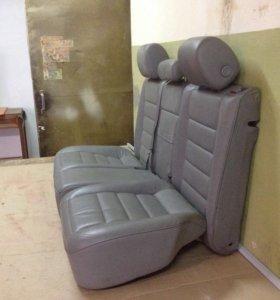 Задние сиденья на Туарег