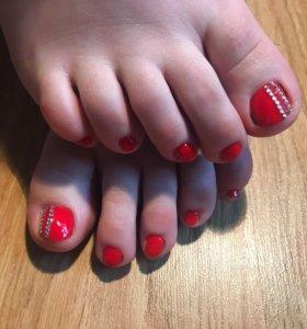 Наращивание ногтей, покрытие ноготков на ногах