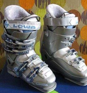 Ботинки горнолыжные LOWA жесткость 7 раз 43