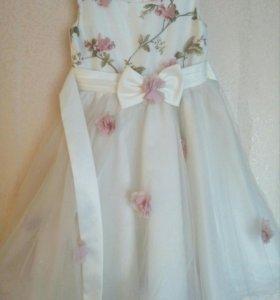Платье детское на 7-9 лет