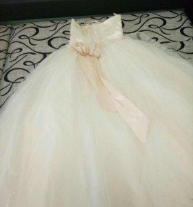 Продаеться свадебное платье (торг)