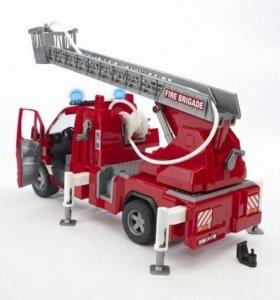 Пожарная машина Bruder mersedes