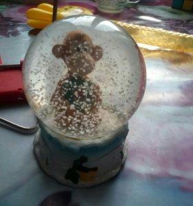 Новогодний стеклянный шарик