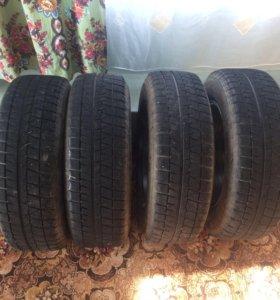 Продам 4 колеса на литье зима(липучка)+запаска