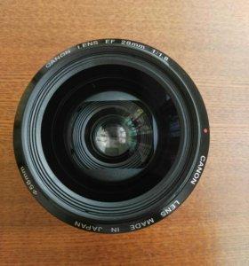 Canon EF 28mm f/1.8USM
