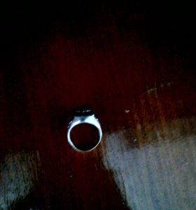 Кольцо серебряное, срочно