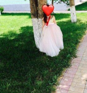 Праздничное платье в пол