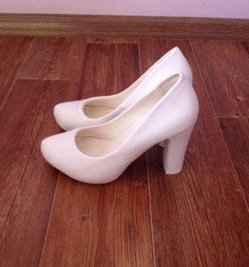 Свадебные туфли ,отличное состояние !