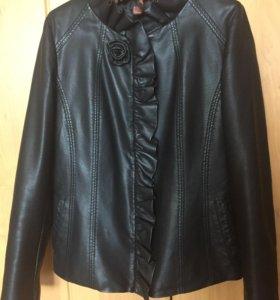 Куртка ,новая приталенная