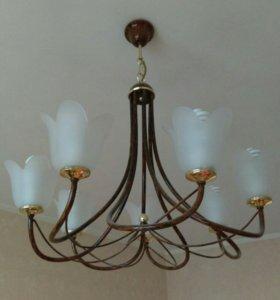 Люстра, бра и настольная лампа - комплект
