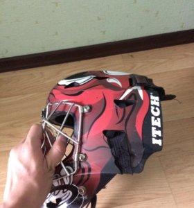 Шлем хоккейного вратаря
