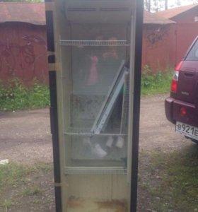 Холодильник для прохладительных напитков))